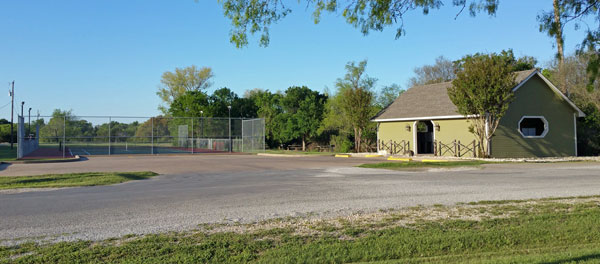 Rolling Oaks Tennis Court and Mailbox